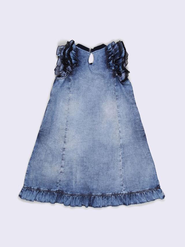 DOVIA, Blue jeans