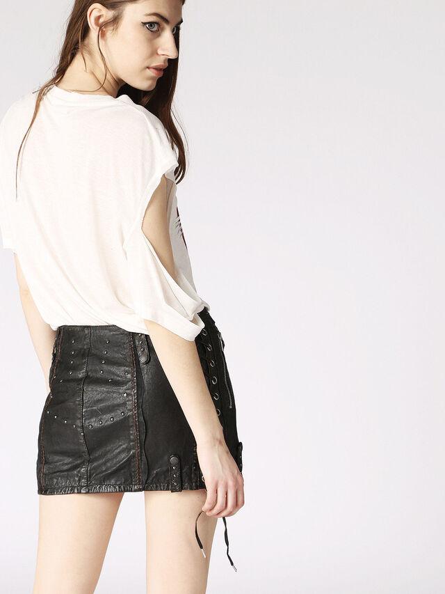 L-DALE, Black Leather