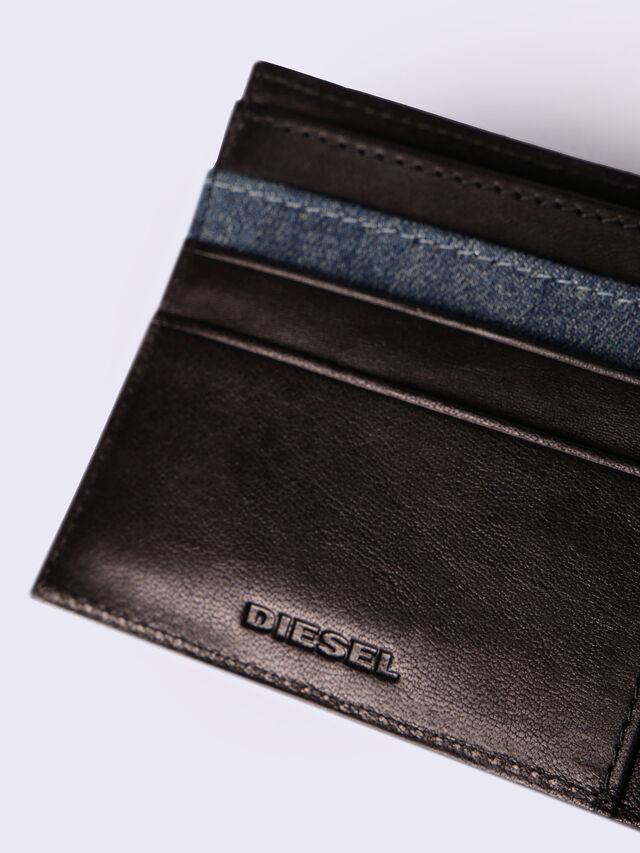 HIRESH S, Black/Blue