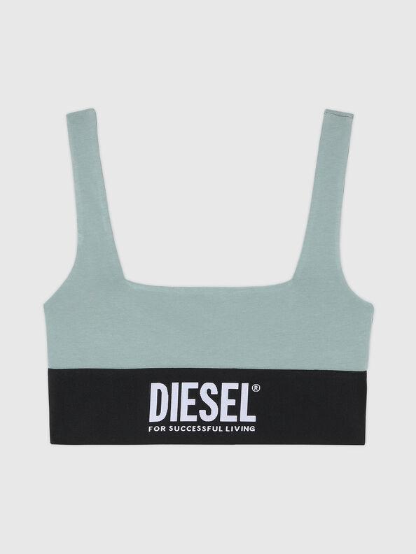 https://bg.diesel.com/dw/image/v2/BBLG_PRD/on/demandware.static/-/Sites-diesel-master-catalog/default/dw43a8fc2c/images/large/A01952_0DCAI_5BQ_O.jpg?sw=594&sh=792