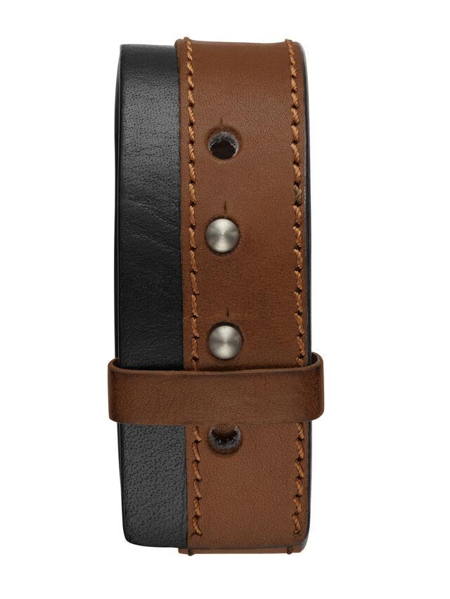 DA1202, Brown