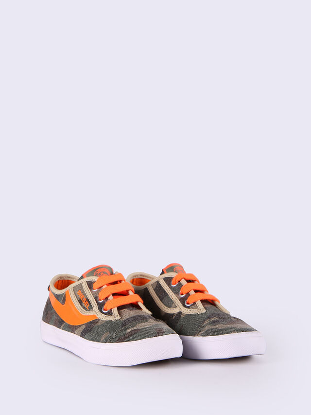 SN LOW 2 BASIC CLAW, Green Camouflage